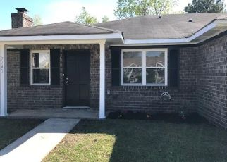 Foreclosed Home in North Charleston 29418 SUZANNE DR - Property ID: 4479041540