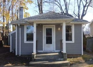 Foreclosed Home in Ronkonkoma 11779 CARROLL AVE - Property ID: 4479219793