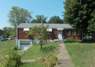 Foreclosed Home in Ashland City 37015 BOWKER ST - Property ID: 4479417312