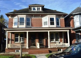 Foreclosed Home in Hagerstown 21740 FAIRGROUND AVE - Property ID: 4479905212