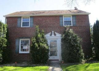 Foreclosed Home in Clifton Heights 19018 HAZELWOOD AVE - Property ID: 4479972668