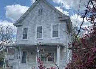 Foreclosed Home in Morgantown 26501 BEECH ST - Property ID: 4480037484