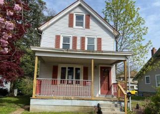 Foreclosed Home in Bordentown 08505 E UNION ST - Property ID: 4480090478