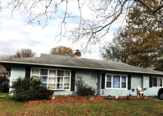 Foreclosed Home in Newark 19713 CHAUCER DR - Property ID: 4480229767