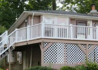 Foreclosed Home in Middlefield 06455 SEMINOLE RD - Property ID: 4480304202