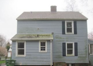 Foreclosed Home in Meriden 06451 HOBART ST - Property ID: 4480306403