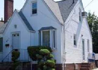 Foreclosed Home in Valley Stream 11580 ROCKAWAY PKWY - Property ID: 4480316927