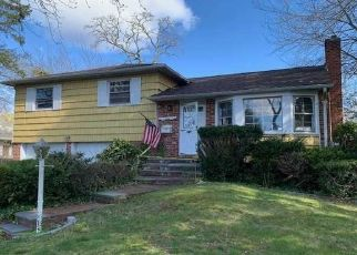 Foreclosed Home in Smithtown 11787 ESTATE RD - Property ID: 4480318673