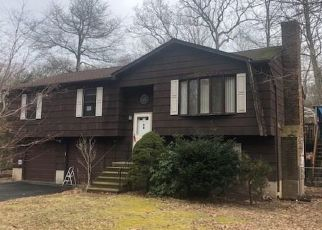 Foreclosed Home in East Haven 06512 MANSFIELD GROVE RD - Property ID: 4480322160