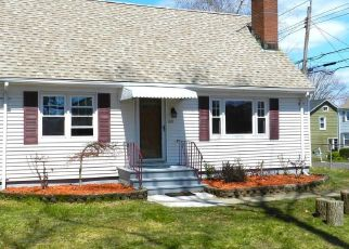 Foreclosed Home in Trumbull 06611 OLD TOWN RD - Property ID: 4480349321