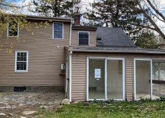 Foreclosed Home in New Milford 06776 BLUE BONNET KNLS - Property ID: 4480353709