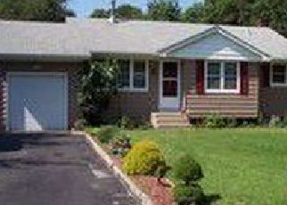 Foreclosed Home in Medford 11763 OLYMPIC AVE - Property ID: 4480443942
