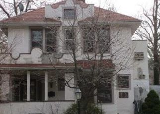 Foreclosed Home in Schenectady 12309 LAKEWOOD AVE - Property ID: 4480457957