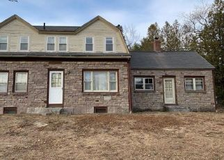Foreclosed Home in Surry 04684 SURRY RD - Property ID: 4480477654