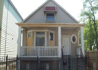 Foreclosed Home in Chicago 60617 S ESCANABA AVE - Property ID: 4480684369