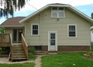 Foreclosed Home in Waterloo 50701 REBER AVE - Property ID: 4480735626