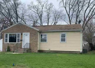 Foreclosed Home in Waterloo 50702 AMHERST AVE - Property ID: 4480756643
