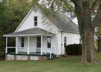Foreclosed Home in Viola 61486 US HIGHWAY 67 - Property ID: 4480769331