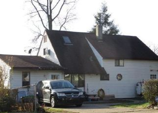 Foreclosed Home in Levittown 19055 HOLLY DR - Property ID: 4480798691