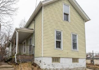 Foreclosed Home in Racine 53402 KEWAUNEE ST - Property ID: 4480859566