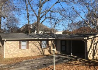 Foreclosed Home in Jackson 38305 KEMMONS DR - Property ID: 4480949344