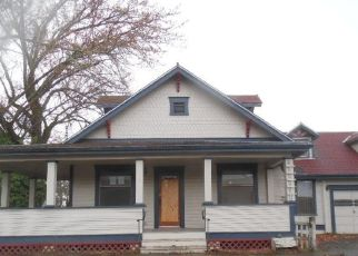 Foreclosed Home in Central Point 97502 S 2ND ST - Property ID: 4481004533