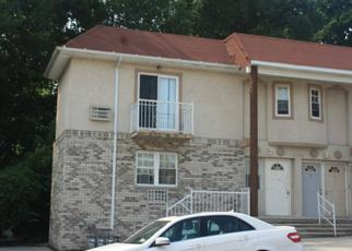 Foreclosed Home in Bronx 10469 GIVAN AVE - Property ID: 4481252877