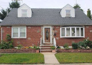 Foreclosed Home in New Hyde Park 11040 WAYNE AVE - Property ID: 4481254170