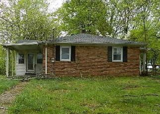 Foreclosed Home in Westmoreland 37186 W STINSON RD - Property ID: 4481294469