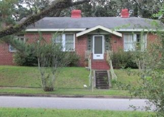 Foreclosed Home in Mobile 36611 SOUTHWEST BLVD - Property ID: 4481346140