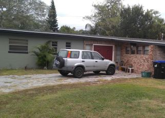 Foreclosed Home in Orlando 32810 SUTTON DR - Property ID: 4481371555