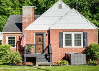 Foreclosed Home in Kingsport 37663 HEMLOCK RD - Property ID: 4481503832