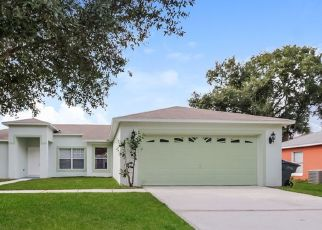 Foreclosed Home in Kissimmee 34759 HERON CT - Property ID: 4481607178