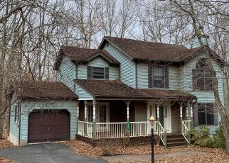 Foreclosed Home in East Stroudsburg 18301 SOMERSET DR - Property ID: 4481649223