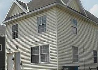 Foreclosed Home in Toledo 43605 OAK ST - Property ID: 4481723691