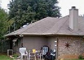 Foreclosed Home in Arlington 76017 KELLY HILL DR - Property ID: 4481810403