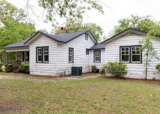 Foreclosed Home in Hilliard 32046 LAKE HAMPTON RD - Property ID: 4482129244