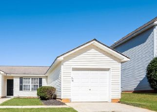 Foreclosed Home in Charlotte 28269 FAIRSTONE AVE - Property ID: 4482243114