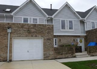 Foreclosed Home in Tinley Park 60487 LINDSAY ST - Property ID: 4482298754