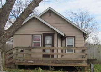 Foreclosed Home in Des Moines 50316 E 9TH ST - Property ID: 4482300944