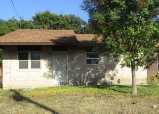 Foreclosed Home in Kerrville 78028 GEORGE ST - Property ID: 4482511155