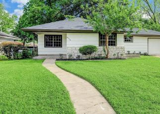 Foreclosed Home in Houston 77087 HIRONDEL ST - Property ID: 4482568988