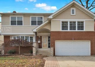 Foreclosed Home in Elmwood Park 60707 N 77TH AVE - Property ID: 4482696425