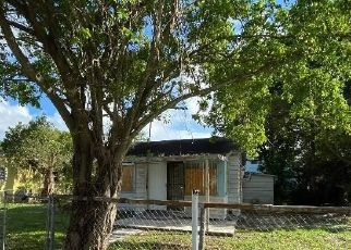 Foreclosed Home in Miami 33147 NW 102ND ST - Property ID: 4482764759