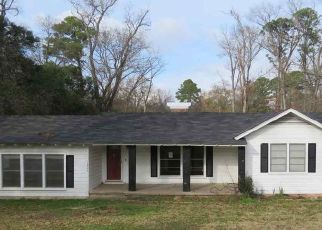 Foreclosed Home in Kilgore 75662 ANDREWS ST - Property ID: 4483156297