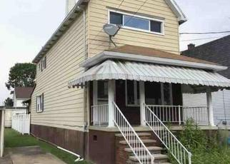Foreclosed Home in Wilkes Barre 18702 OAK ST - Property ID: 4483531648