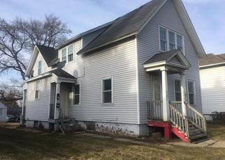 Foreclosed Home in Racine 53404 N MEMORIAL DR - Property ID: 4483619679
