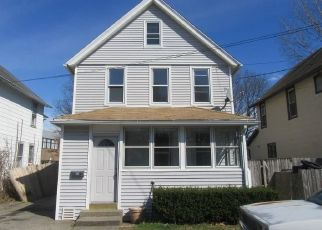 Foreclosed Home in Stratford 06615 ALFRED CT - Property ID: 4483655144