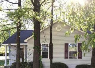 Foreclosed Home in Charlotte 28269 JUNIPER DR - Property ID: 4483742303