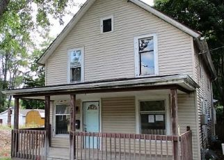 Foreclosed Home in Lansing 48912 S FAIRVIEW AVE - Property ID: 4483831208